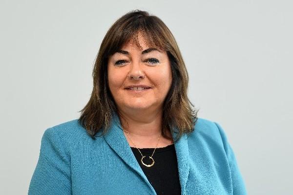 Kay Lewis